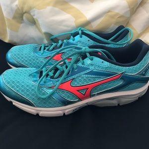 laadukkaita tuotteita todella mukava paras arvo Mizuno // Wave // EL8 // women's running shoes